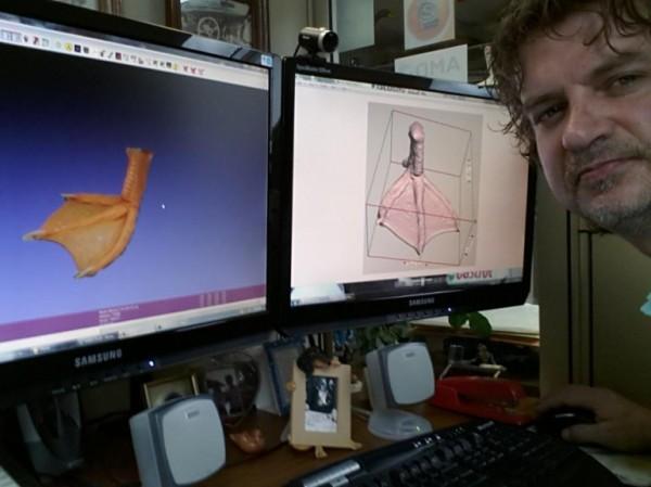 IN 3D chân giả gắn cho chú vịt dị tật